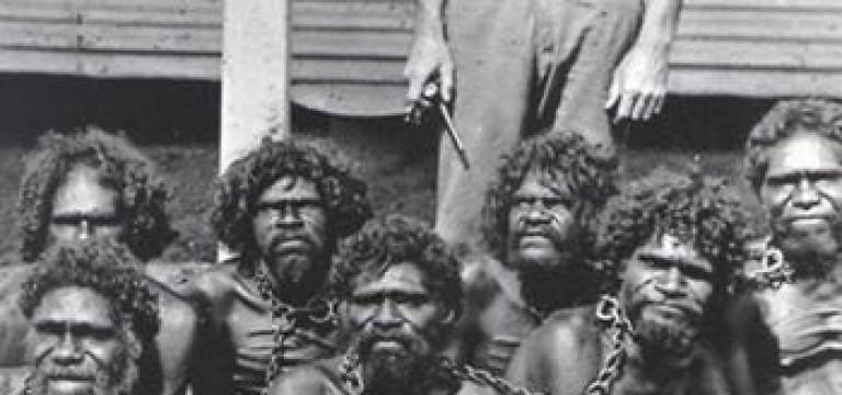 بومیان استرالیا در غل و زنجیر
