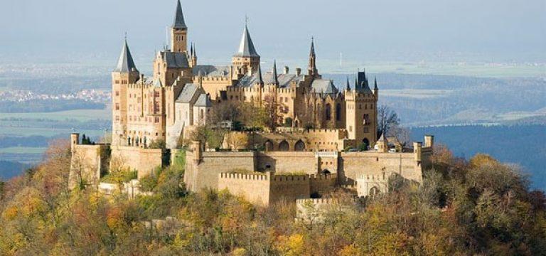 داستان افسانه ای قلعه ی زنان وفادار