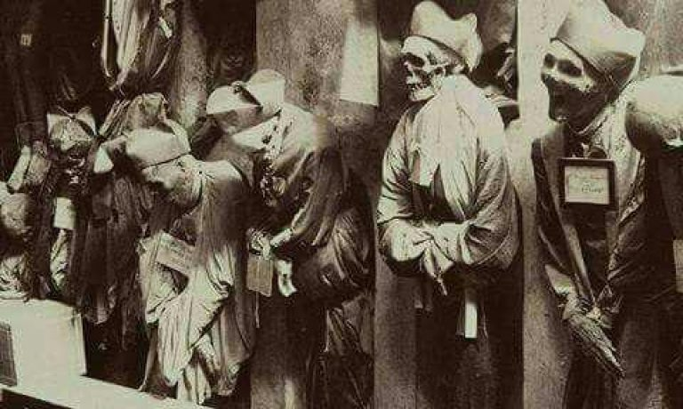 دخمه مخوف پالرمو در ایتالیا