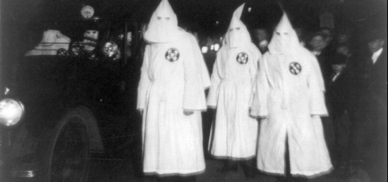 كوكْلوكْسْ كِلان اولين گروه تروريستي و نژادپرست امريكا