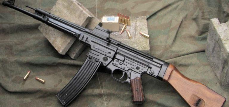 استرومگوهر ۴۴ اولین تفنگ هجومی جهان