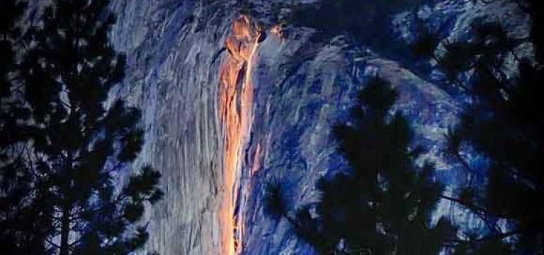 آبشار آتشین در آمریکا