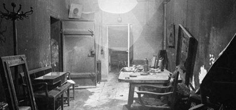 اتاقی که هیتلر و همسرش در آن خودکشی کردند