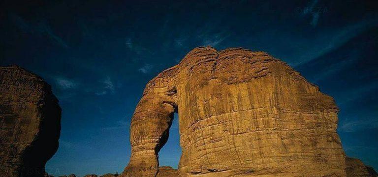 """صخره """"فیل"""" در بیابان ربع الخالی عربستان سعودی"""