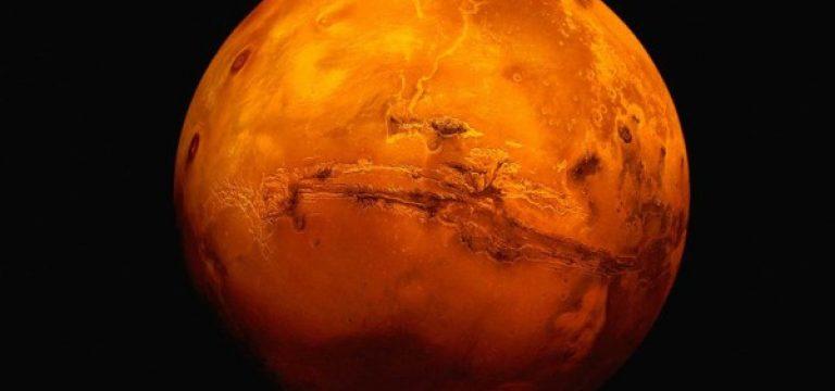 چرا مریخ سرخ است؟